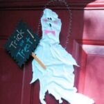 Halloween Craft: Starched T-Shirt Ghost
