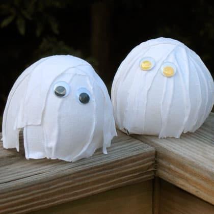 balloon-ghosts-halloween-craft-photo-420x420-aformaro-0052