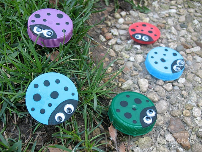 How to make Plastic Lid Ladybugs