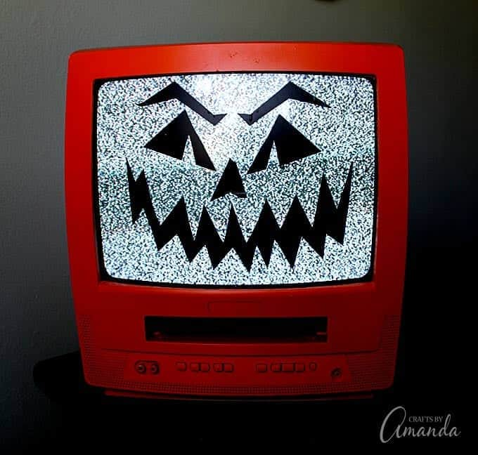 How to make a spooky Jack O'Lantern TV! A great conversation piece too, parents and kids alike will be commenting on how cool it is!