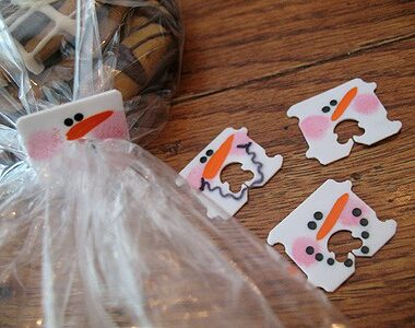 Recycled Bread Tag Snowmen