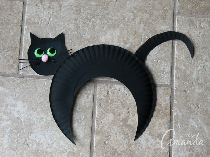 How to make a paper plate black cat for Halloween