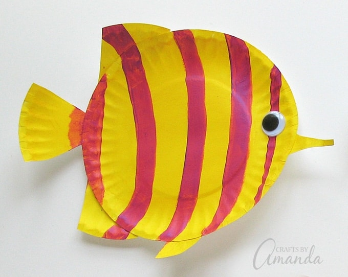 Yellow striped paper plate fish