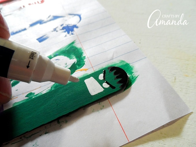 painting hulk on craft stick