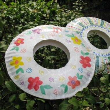 paper plate frisbee