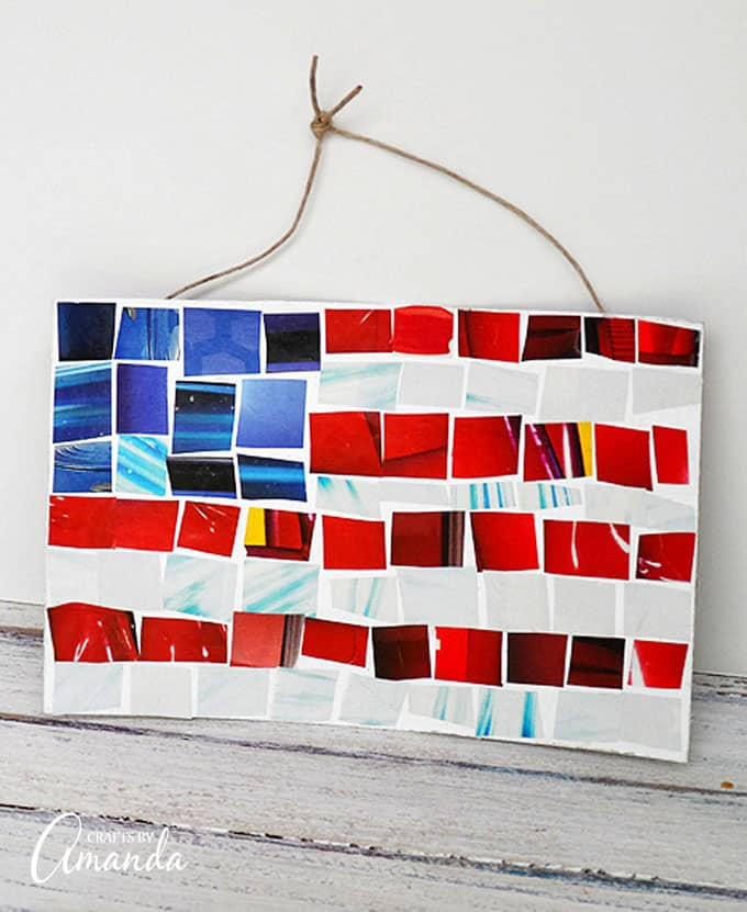 Easy Magazine Mosaic Flag
