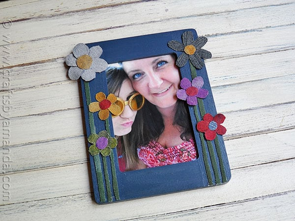 Denim Craft: Colorful Flower Frame - CraftsbyAmanda.com