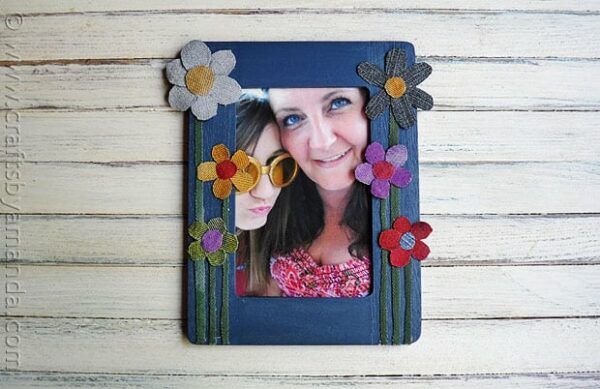 Denim Craft: Colorful Flower Frame - CraftsbyAmanda.com