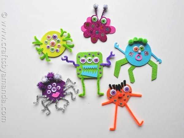 Glitter Foam Monster craft - CraftsbyAmanda.com