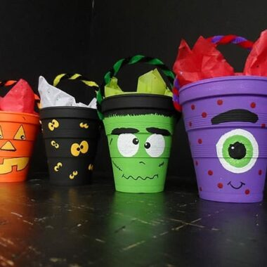 Halloween Treat Cups - CraftsbyAmanda.com