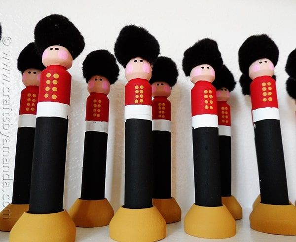Clothespin Christmas Soldiers - CraftsbyAmanda.com