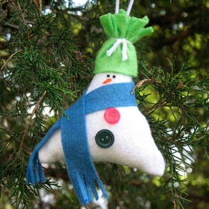 Stuffed Triangle Snowman crafts by Amanda Formaro