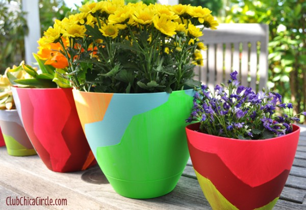 Chevron-designed-Frog-tape-spring-planters-craft-idea