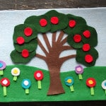 4 Seasons Felt Board by CraftsbyAmanda.com @amandaformaro