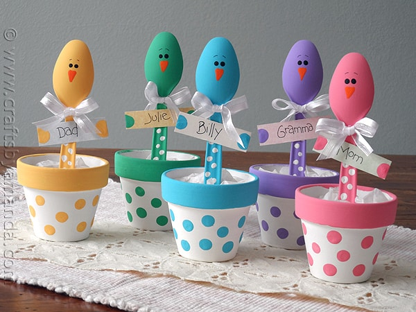 Oh I so love these Easter Chick Place Holders from Crafts by Amanda - they are beyond adorable! @amandaformaro