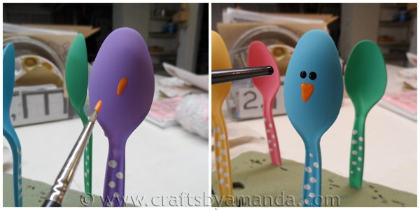 Easter Chick Craft: Colorful Place Holders from CraftsbyAmanda.com @amandaformaro