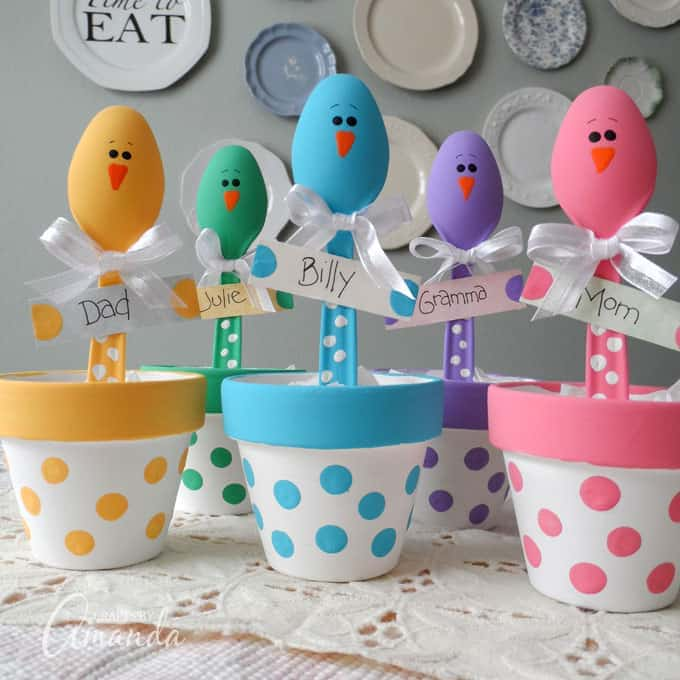 Colorful plastic spoon chick placeholders