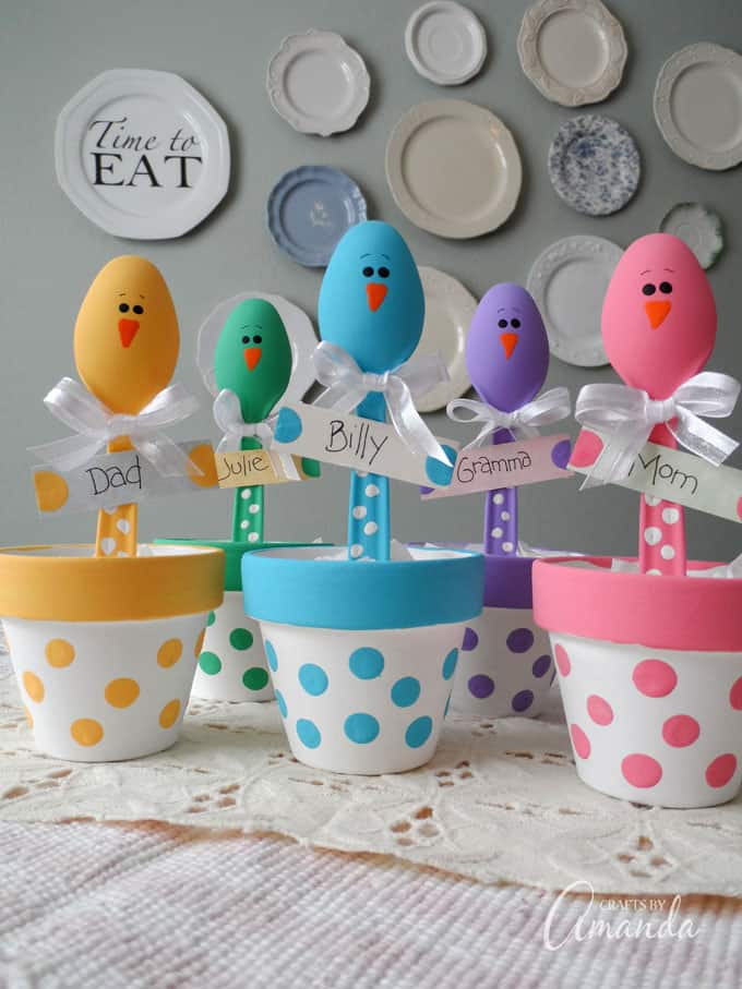 Easter placeholders, plastic spoon chicks