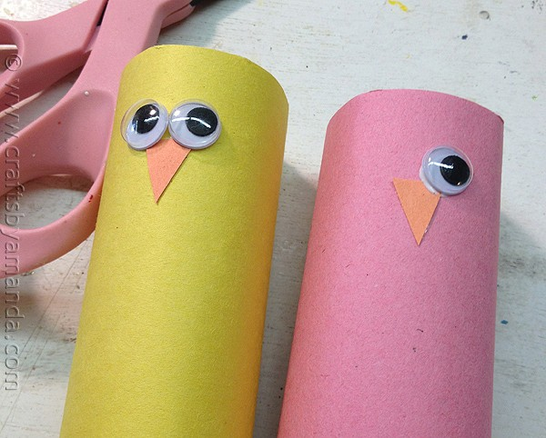 Spring Craft: Cardboard Tube Birds via CraftsbyAmanda.com @amandaformaro