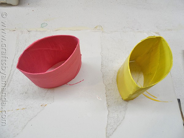 Butterfly Craft from cardboard tubes and beads - from CraftsbyAmanda.com @amandaformaro