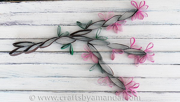 Cardboard Tube Wall Art: Cherry Blossoms from CraftsbyAmanda.com @amandaformaro