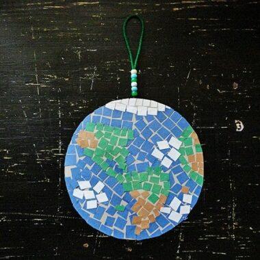 Earth Day Craft: Mosaic Earth by CraftsbyAmanda.com @amandaformaro