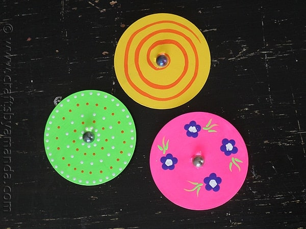 Make Recycled CD Spinners from CraftsbyAmanda.com @amandaformaro