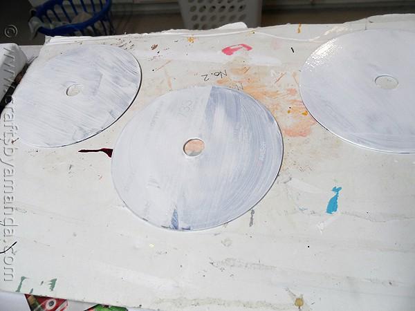 Make Recycled CD Spinners from CraftsbyAmanda.com @amandaformaro