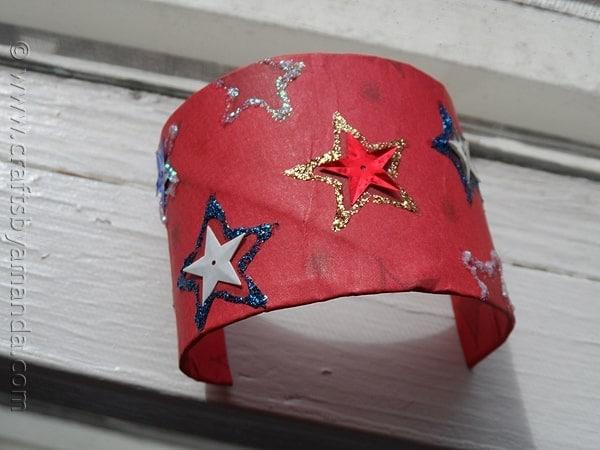 Patriotic Cardboard Tube Bracelet from CraftsbyAmanda.com @amandaformaro