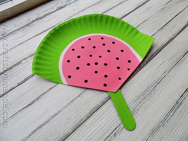 Paper Plate Watermelon Fan at CraftsbyAmanda.com @amandaformaro