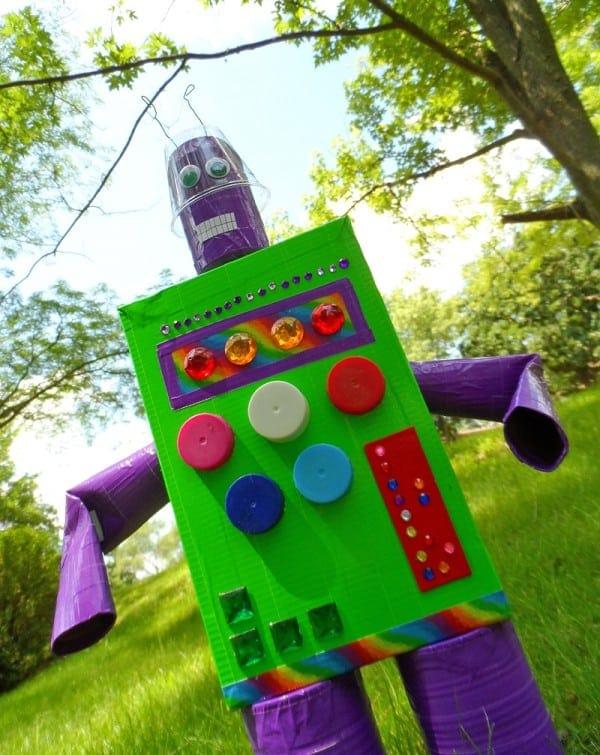 Duck Tape Recycled Robot by @amandaformaro - CraftsbyAmanda.com