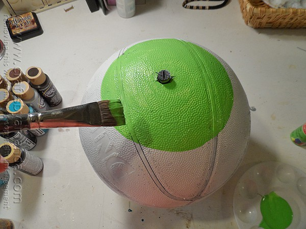 Upcycled Basketball Eyeball by @amandaformaro Crafts by Amanda