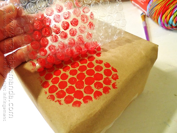 Bubble Wrap Apple Stamps @amandaformaro Crafts by Amanda