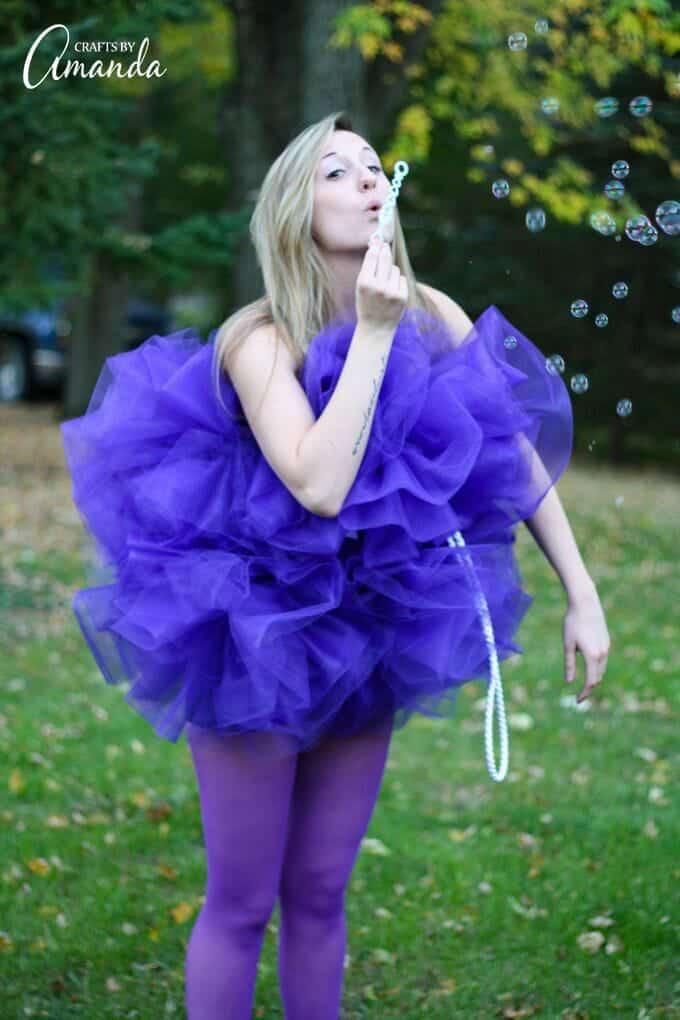 Shower pouf costume blowing bubbles