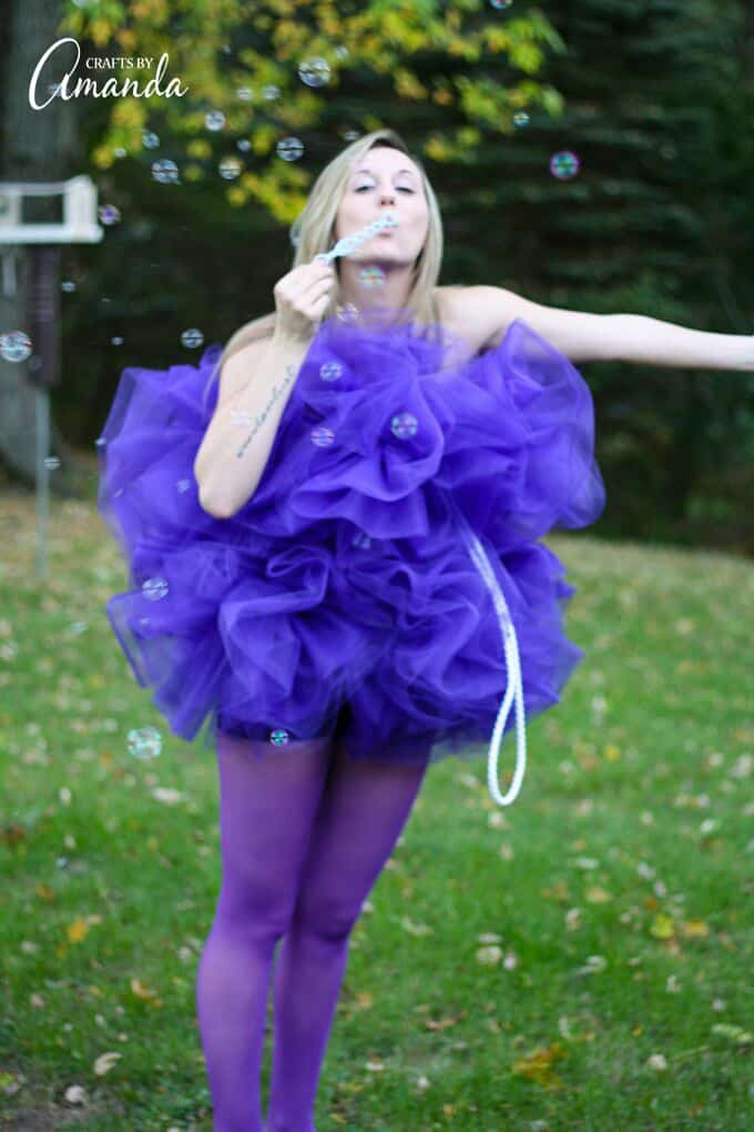 Shower pouf costume blowing bubbles