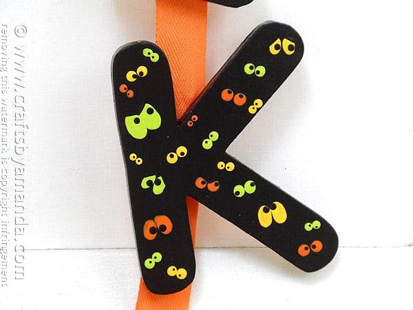 Eek Door Banner for Halloween by @amandaformaro Crafts by Amanda