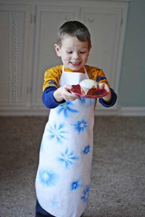 Sharpie Snowflake Apron by @amandaformaro for ABC Family
