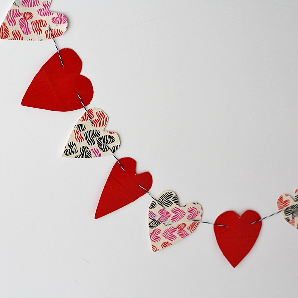 Duct Tape Heart Bunting by @amandaformaro Crafts by Amanda