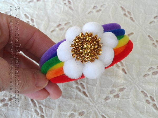 Pipe Cleaner Rainbow Bracelet by @amandaformaro Crafts by Amanda