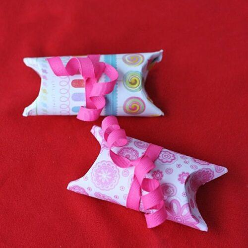 Cardboard Tube Valentine Pillow Boxes @amandaformaro Crafts by Amanda