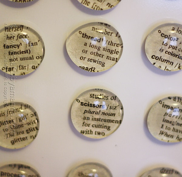Dictionary Magnets with Crafty Words by @amandaformaro Crafts by Amanda