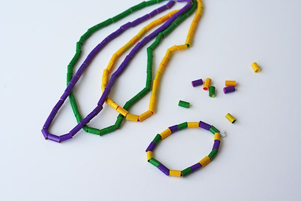 Duct Tape Mardi Gras Beads @amandaformaro Crafts by Amanda