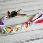 How to make a T-shirt Bone Braid Keychain by @amandaformaro - Crafts by Amanda