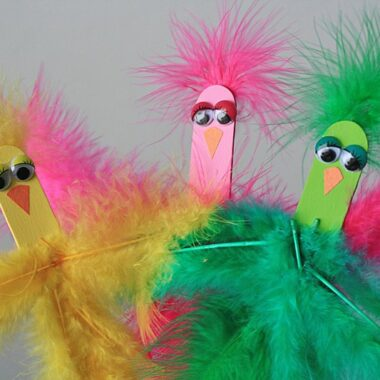 Cuuuuute! Craft stick spring birds from Crafts by Amanda - this will be great for our spring unit.