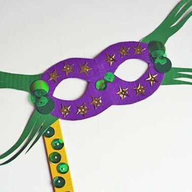 Duct Tape Mardi Gras Mask by @amandaformaro Crafts by Amanda