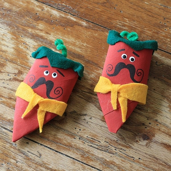 How cute! Cardboard Tube Chili Pepper Maracas by @amandaformaro of Crafts by Amanda
