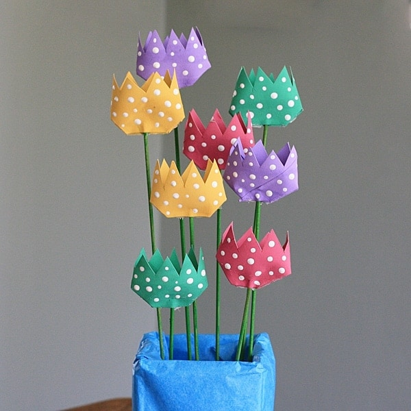 Cardboard Tube Polka Dot Tulips by @amandaformaro Crafts by Amanda