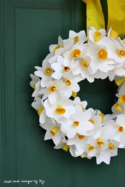 Paper Daffodil Wreath - Classic Play