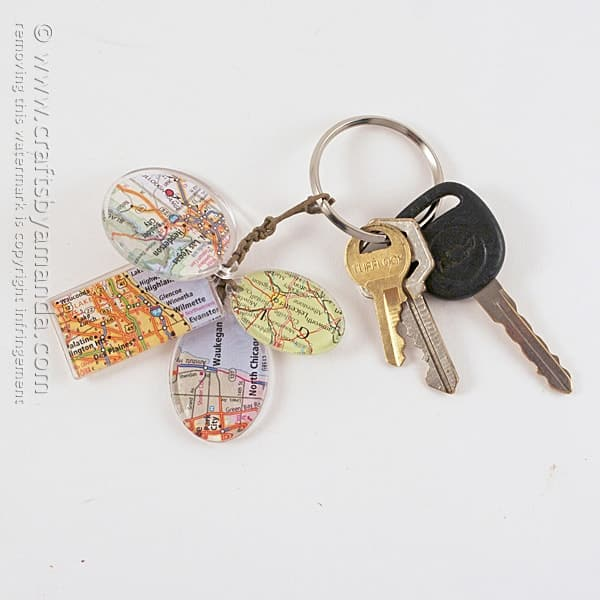 Birthplace Map Keychain Charms by @amandaformaro Crafts by Amanda