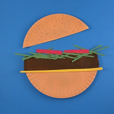 Paper Plate Hamburger by @amandaformaro Crafts by Amanda